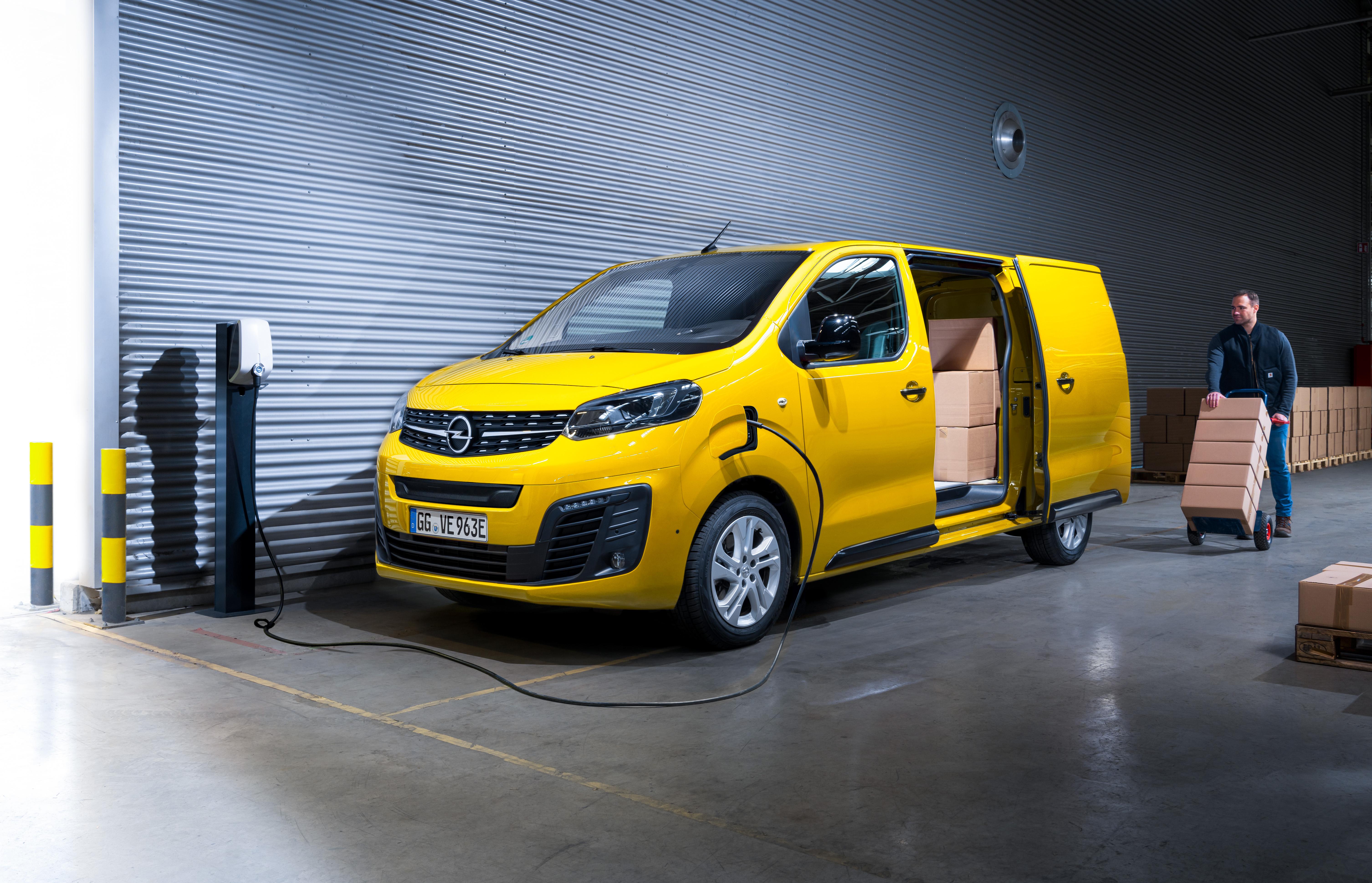 Opel-Vivaro-e-511686_1