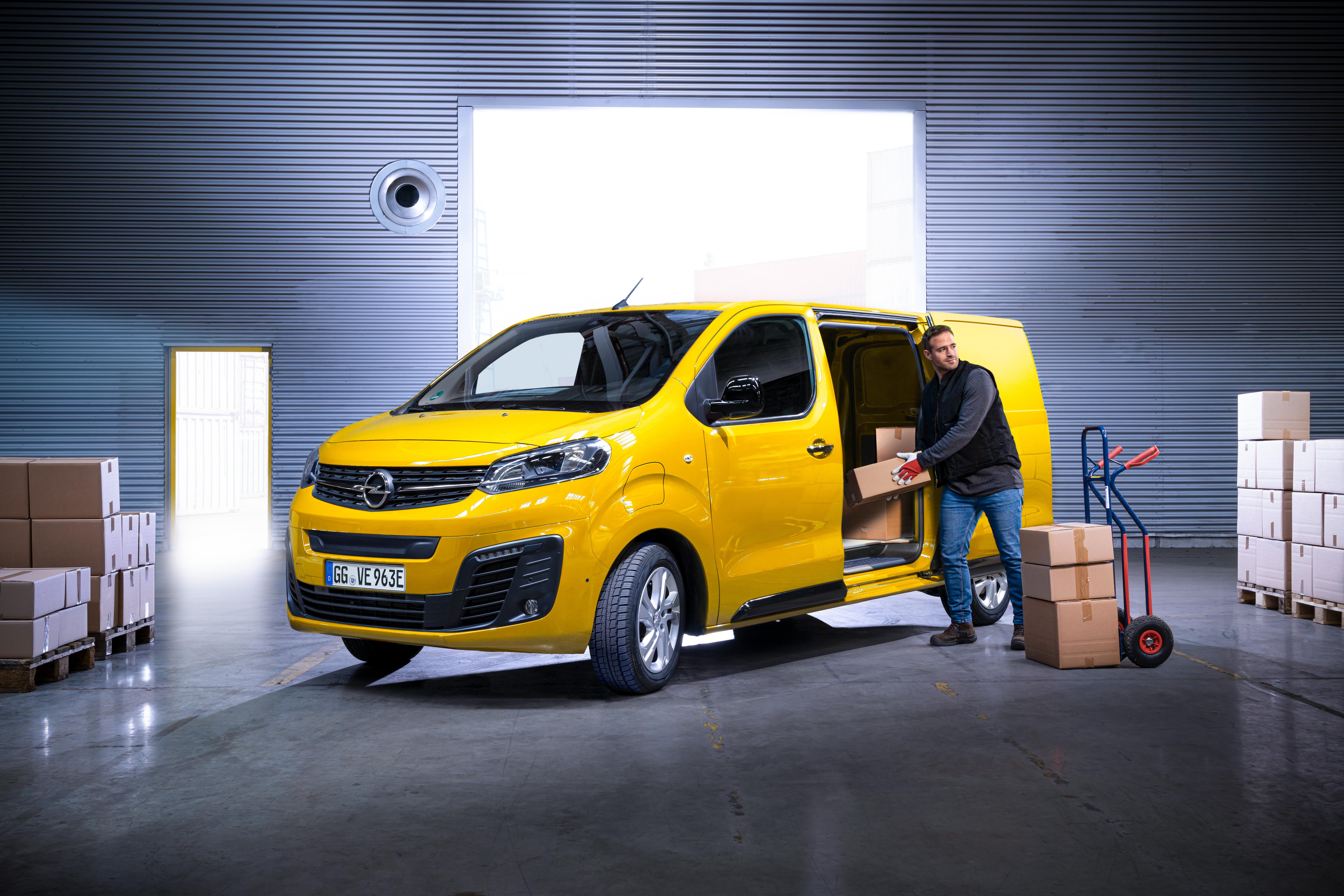 Opel-Vivaro-e-511687_1