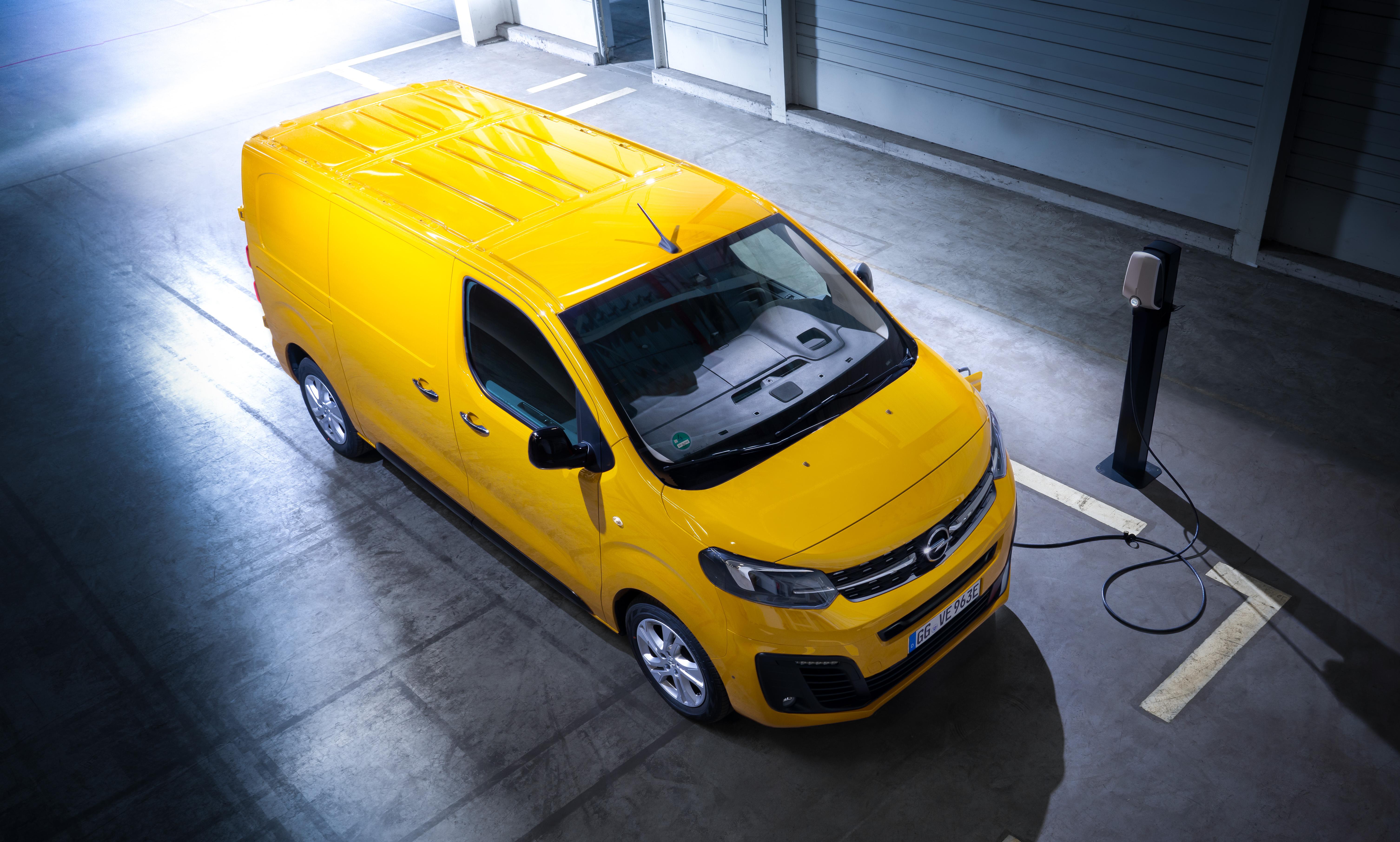 Opel-Vivaro-e-511688_1