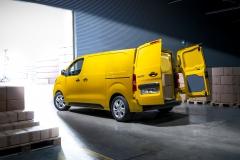 Opel-Vivaro-e-511689_1