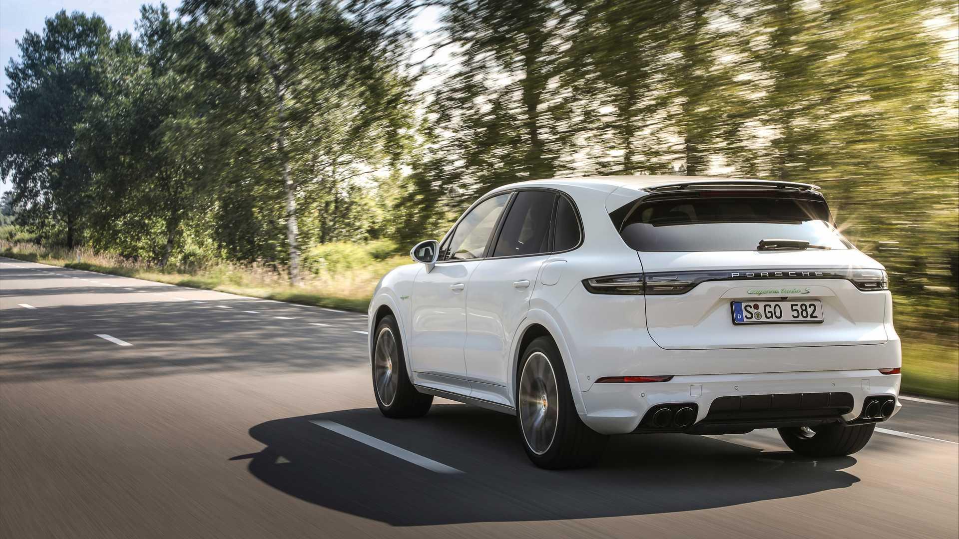 2020-porsche-cayenne-turbo-s-e-hybrid-coupe-turbo-s-e-hybrid-and-coupe-e-hybrid-3