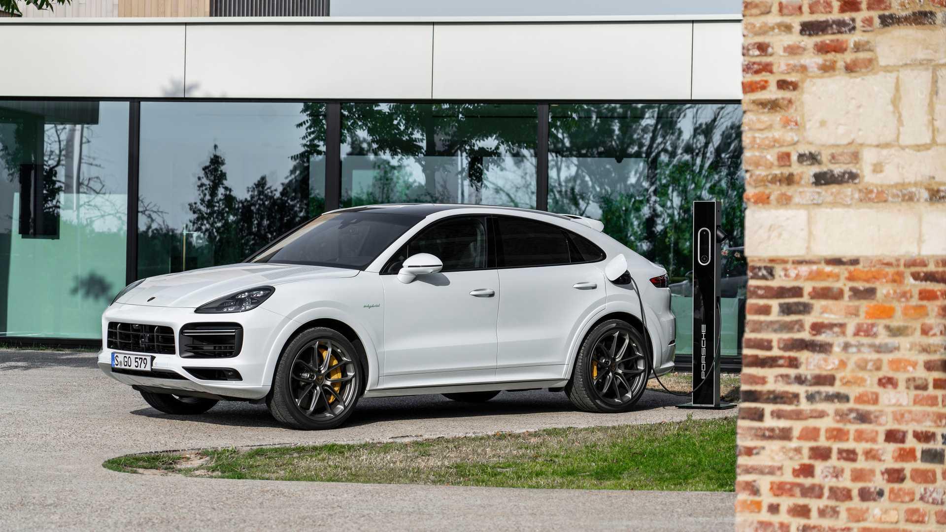 2020-porsche-cayenne-turbo-s-e-hybrid-coupe-turbo-s-e-hybrid-and-coupe-e-hybrid-4
