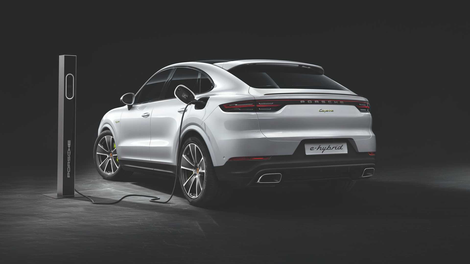 2020-porsche-cayenne-turbo-s-e-hybrid-coupe-turbo-s-e-hybrid-and-coupe-e-hybrid-7