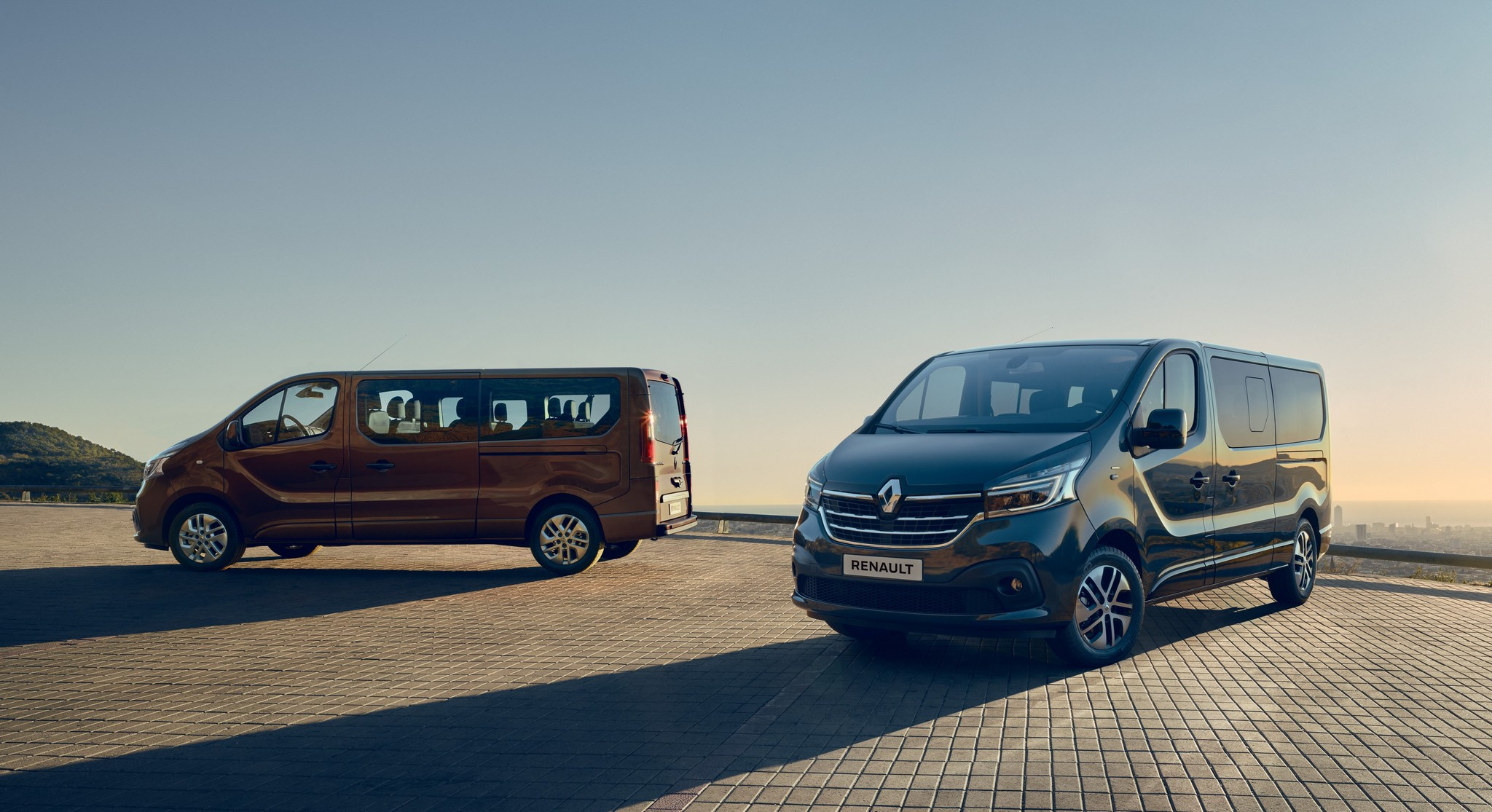 21224938_2019_-_New_Renault_TRAFIC