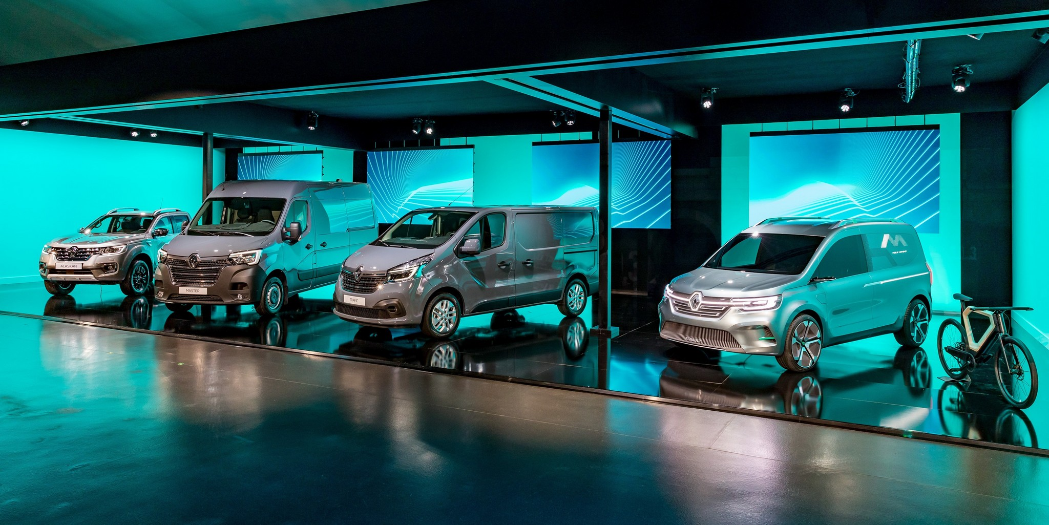 21225131_2019_-_Renault_Light_Commercial_Vehicles_Range