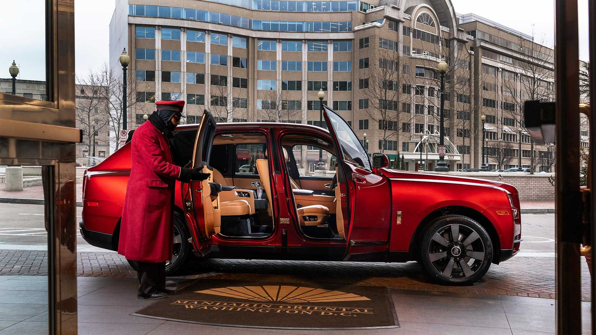 lunar-new-year-rolls-royce-cullinan (1)