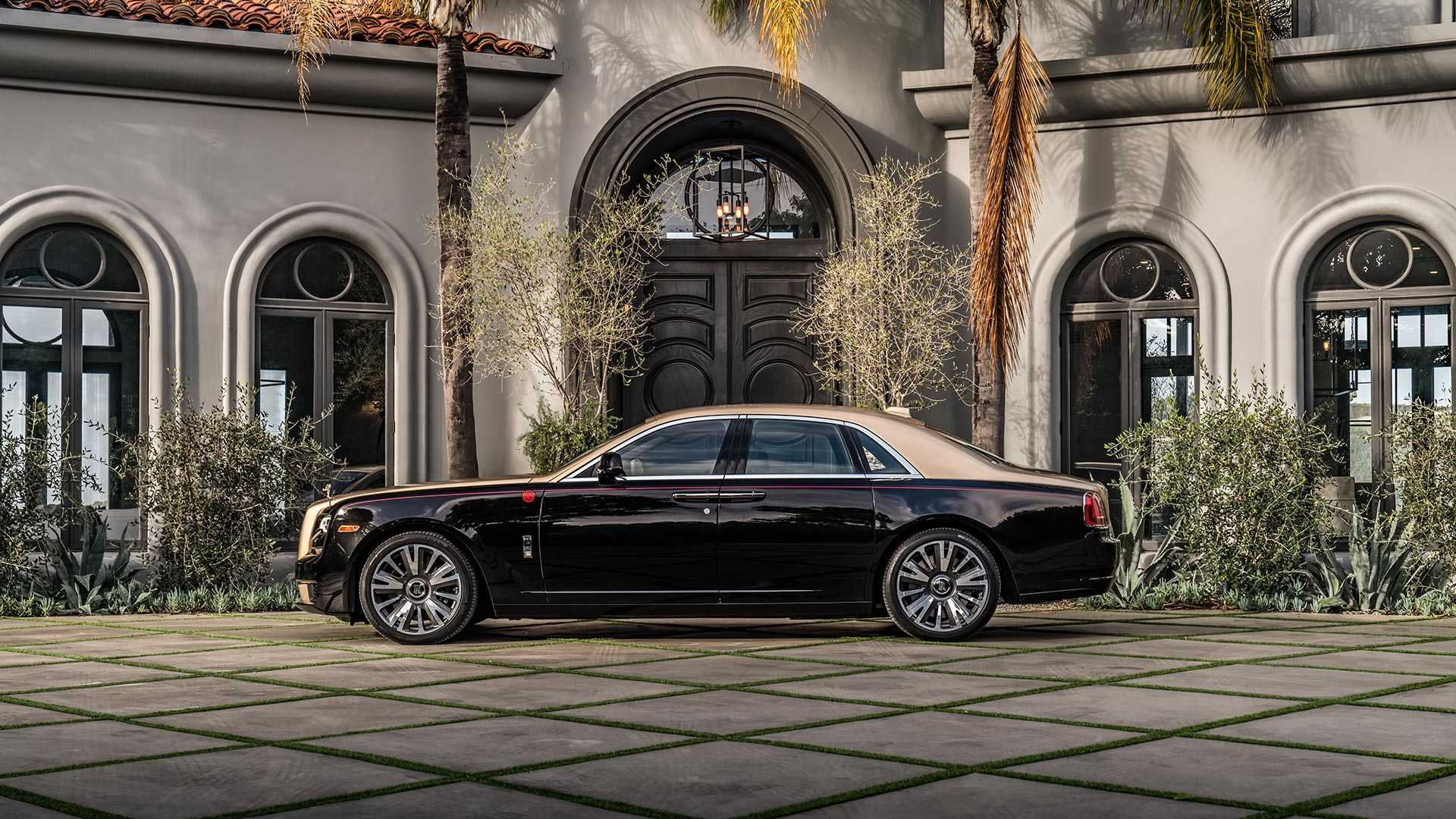 year-of-the-pig-rolls-royce-ghost