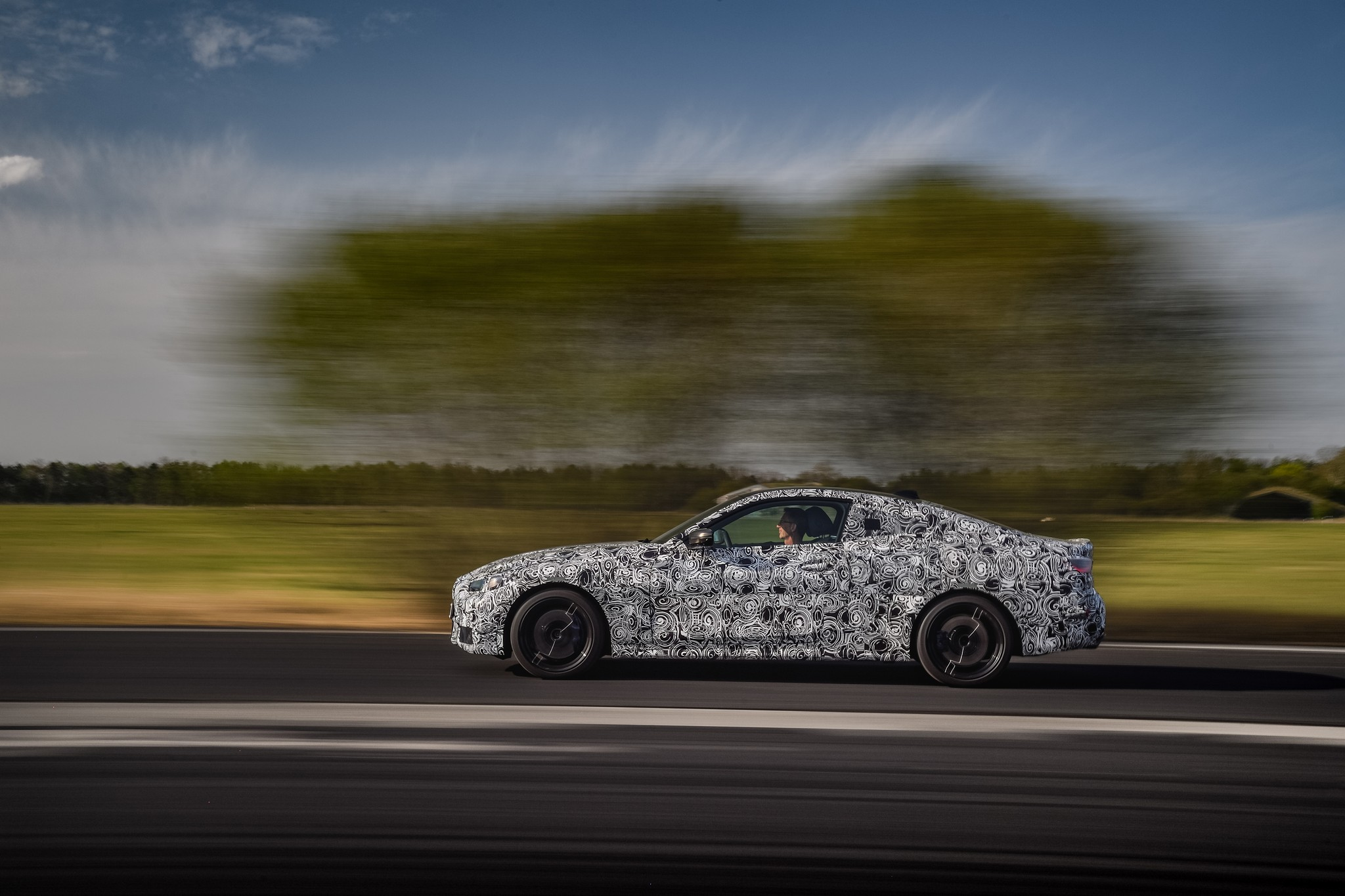 P90387901_highRes_the-new-bmw-4-series