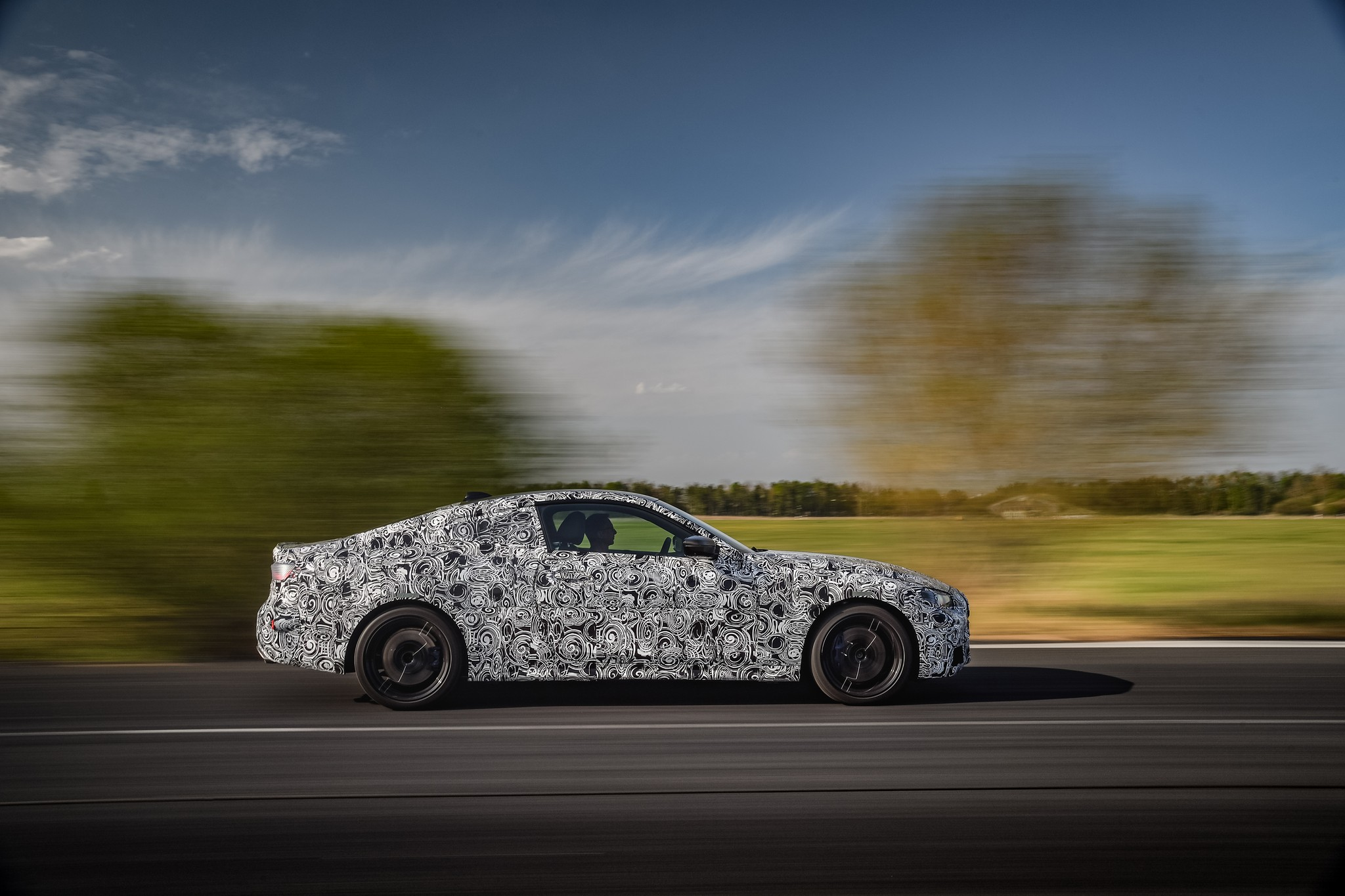 P90387903_highRes_the-new-bmw-4-series