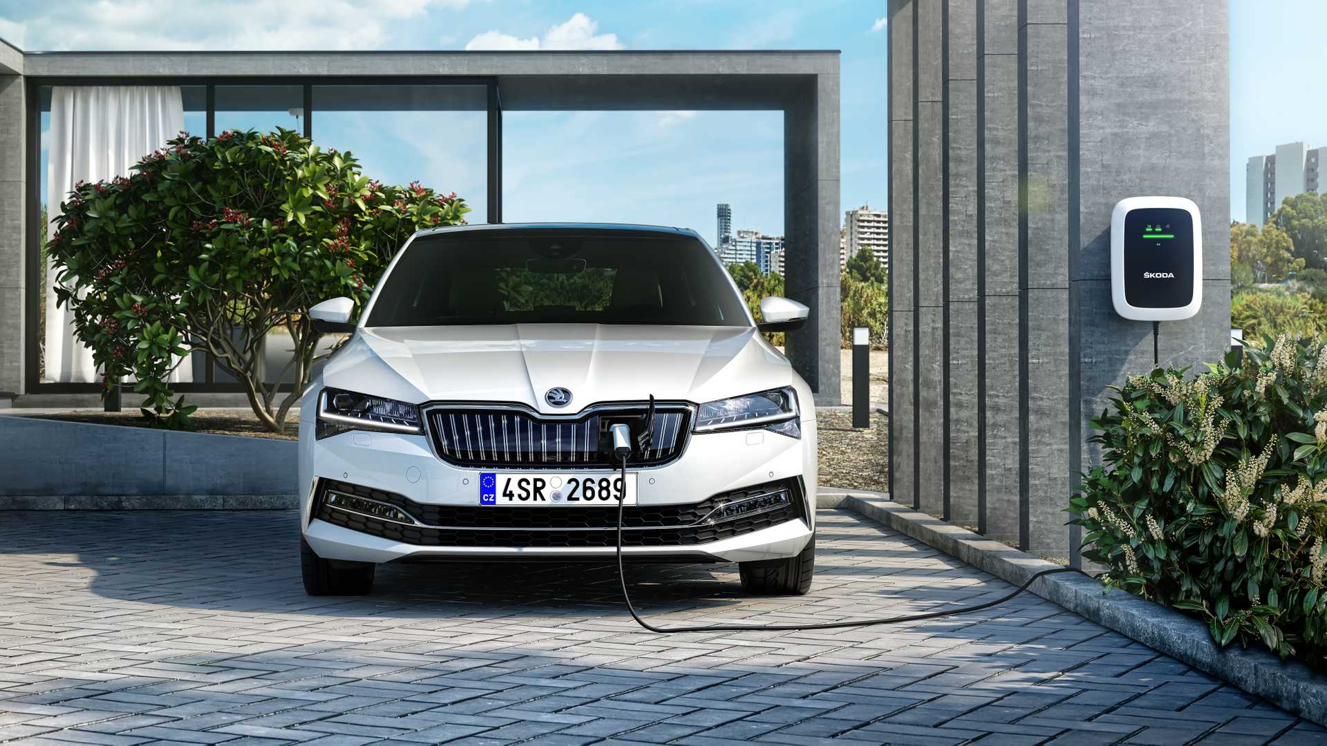 2020-skoda-superb-facelift-3