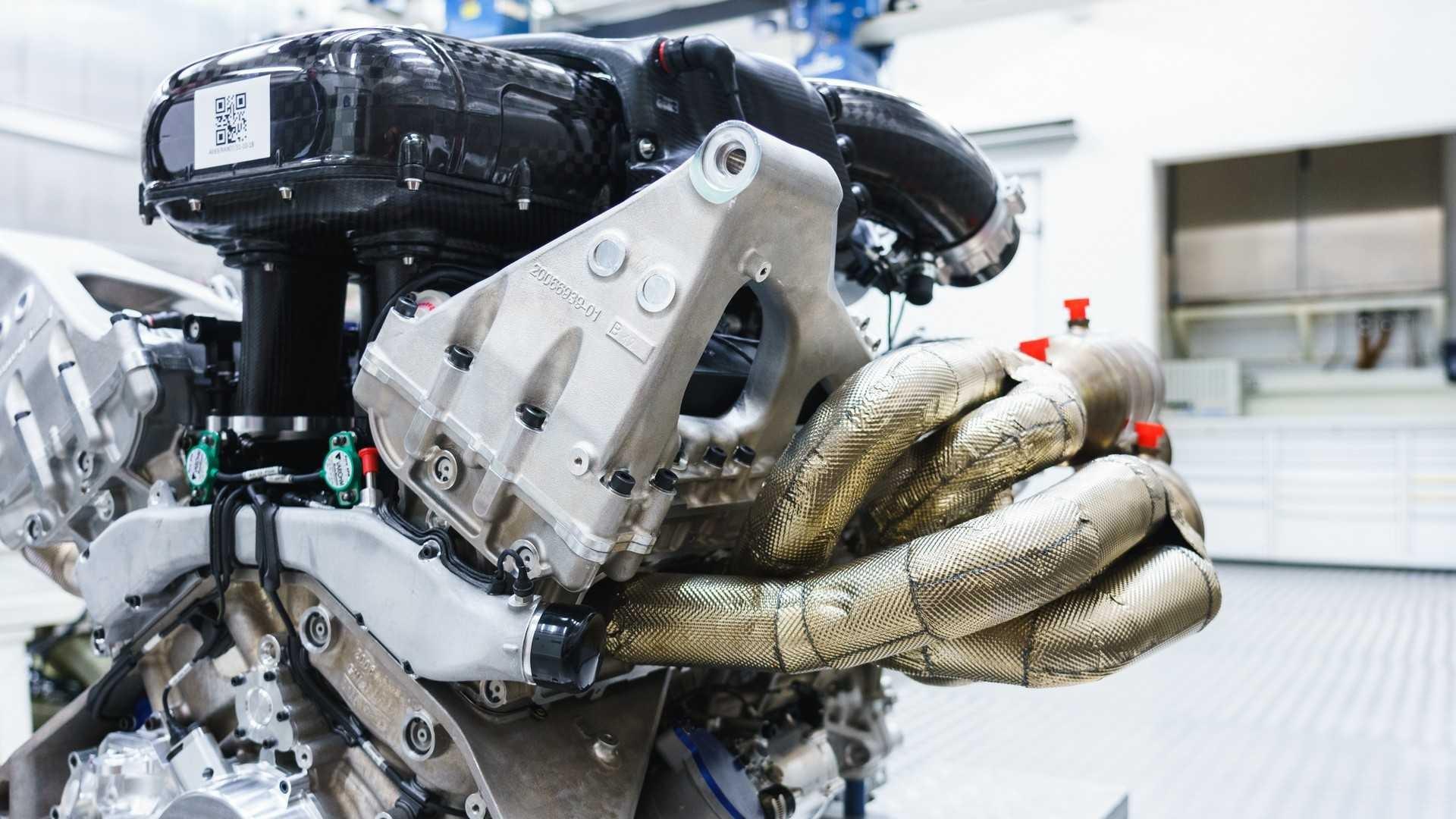 aston-martin-valkyrie-s-cosworth-v12-engine (4)