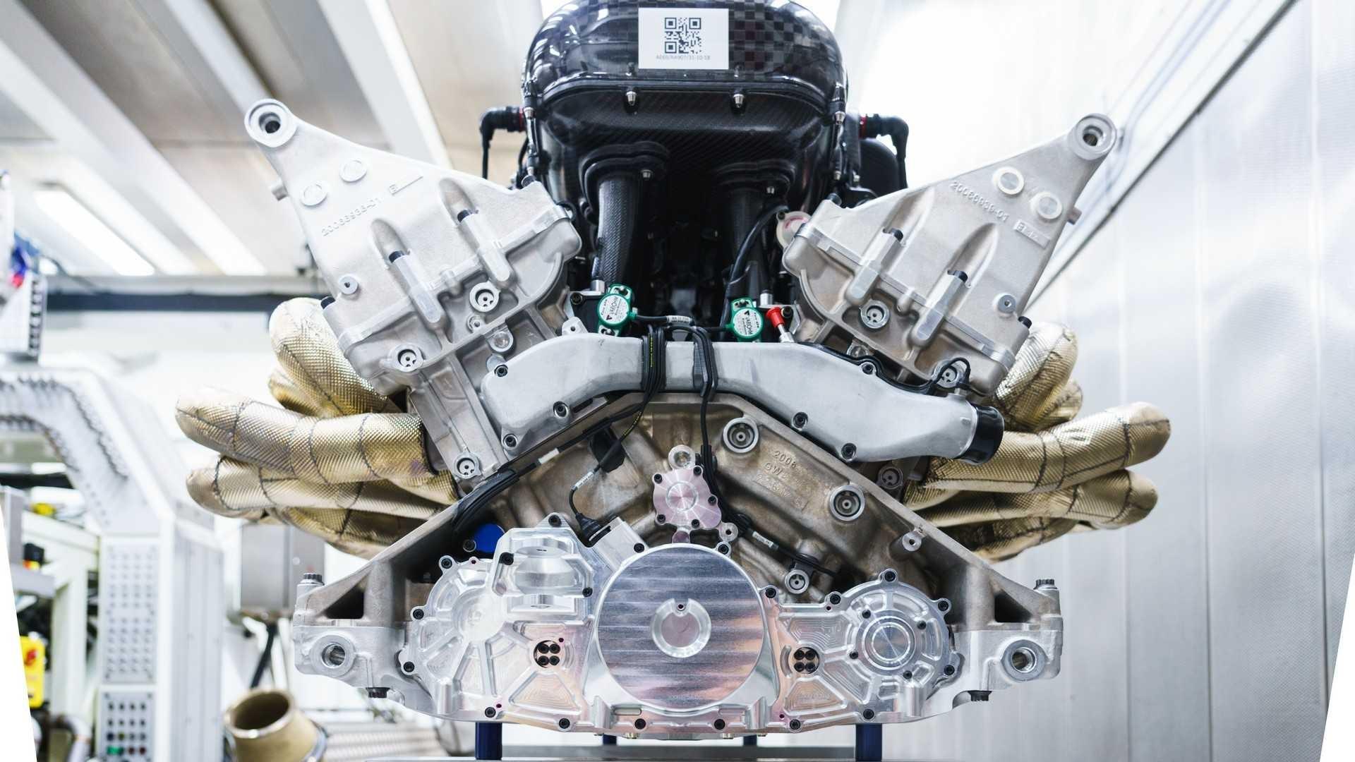 aston-martin-valkyrie-s-cosworth-v12-engine