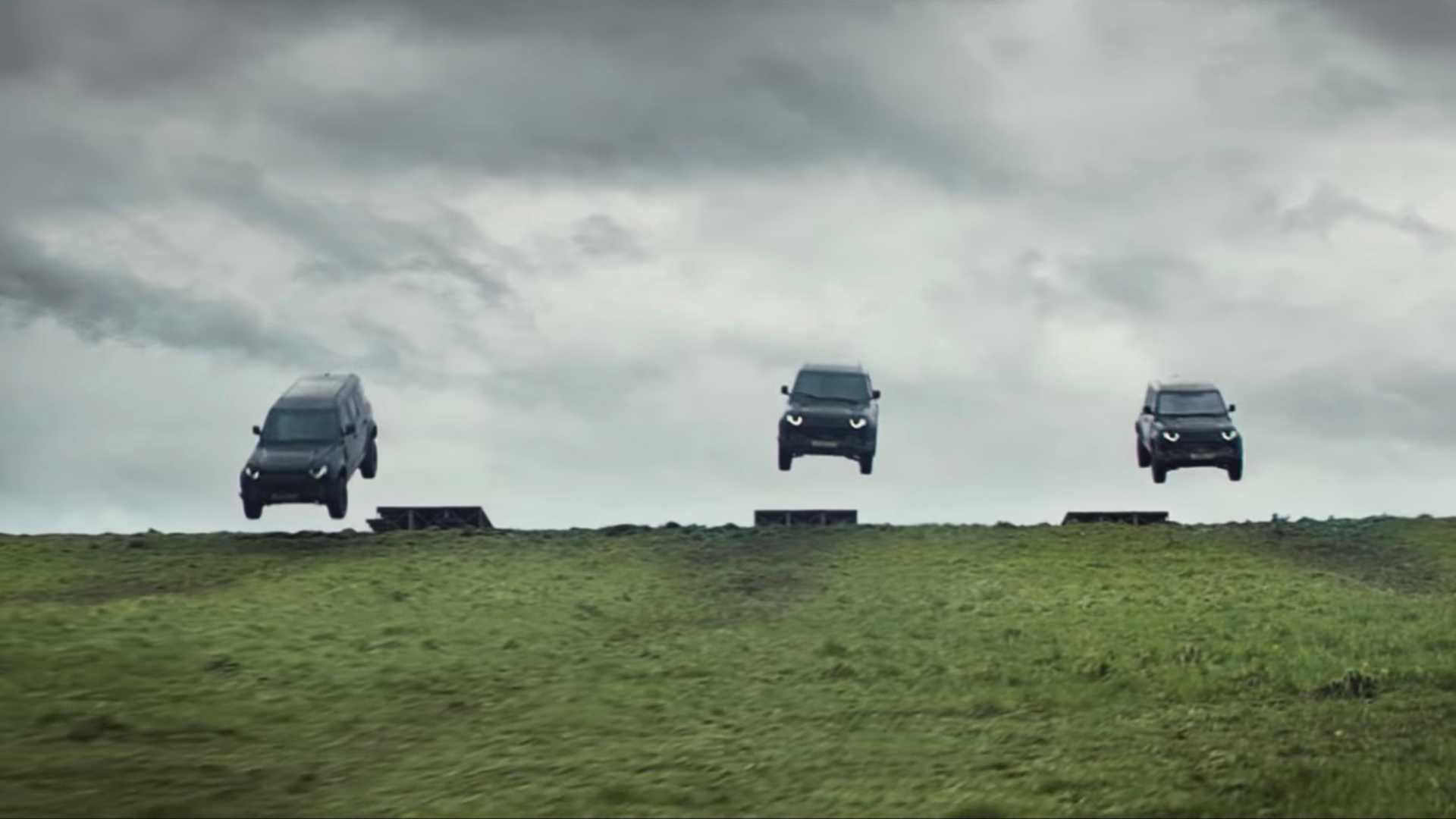 land-rover-defender-james-bond-commercial