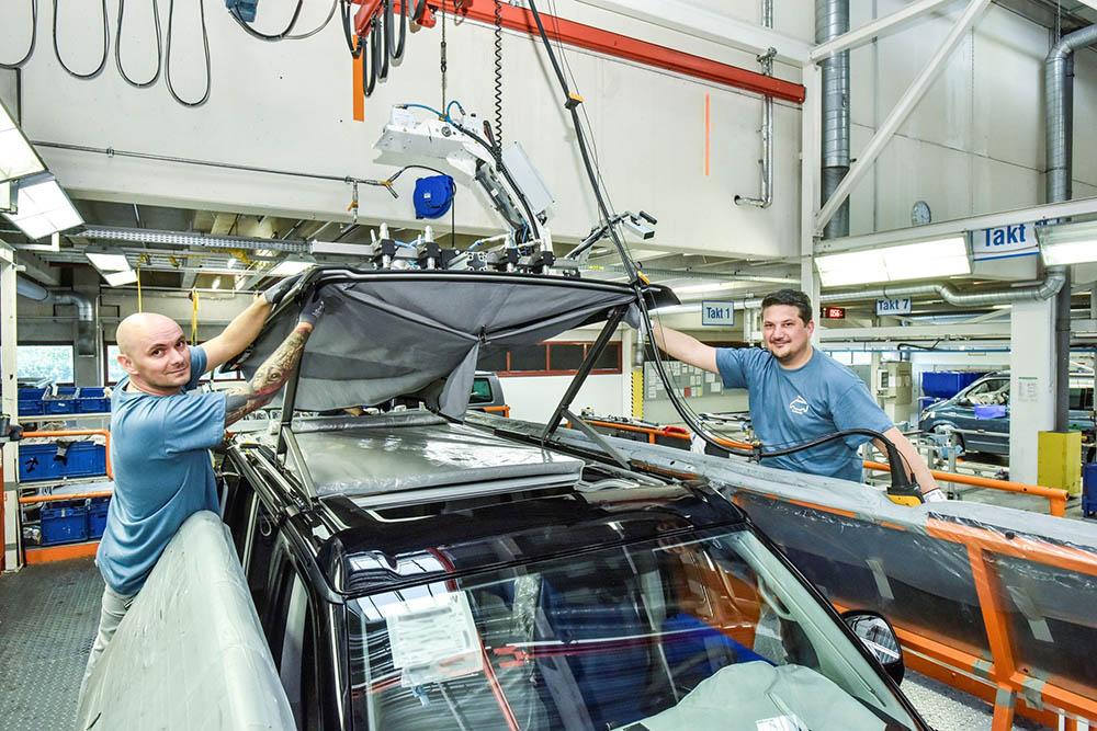 VW Califonia, instalarea plafonului extensibil.
