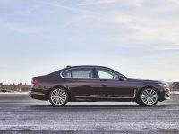 BMW 745e, plăcerea electrificării luxului (video)