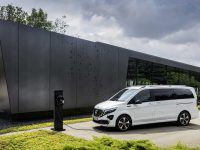 EQV de electric premium, EQ de A sau B cu PHEV (video)