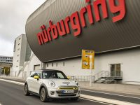 Jaguar & Mini, I-Pace & Cooper SE de EV pe Nurburgring (video)