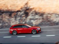 RS4 Avant nu-și dă seama că Audi l-a făcut break (video)