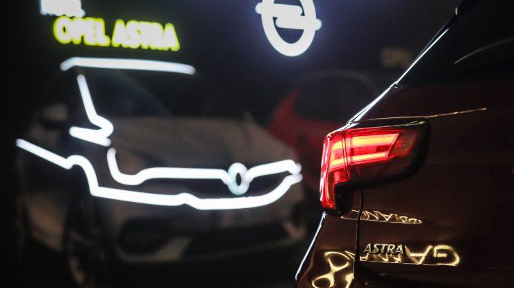 6, au sosit Corsa și Astra FL în România (video)