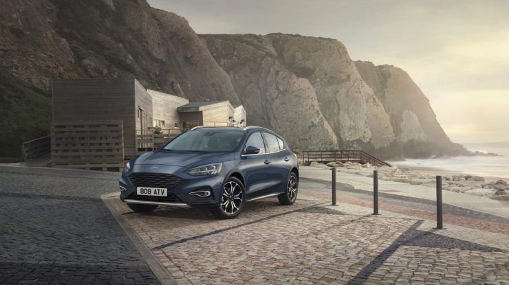 Ford Focus e și Active X, dar și Vignale