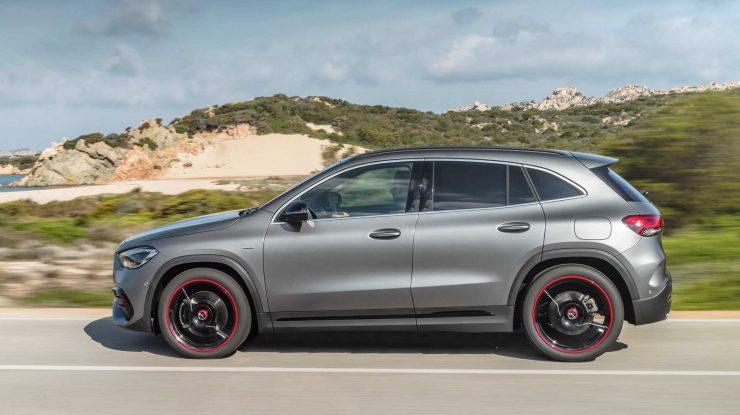 Mercedes este Rapid cu GLA 35 AMG (video)