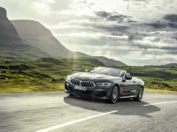Cabriolet de Bavaria – BMW Seria 8 se descoperă (video)