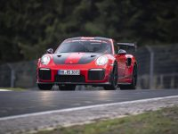 911 GT2 RS MR pune presiune pe 'Ring (video)