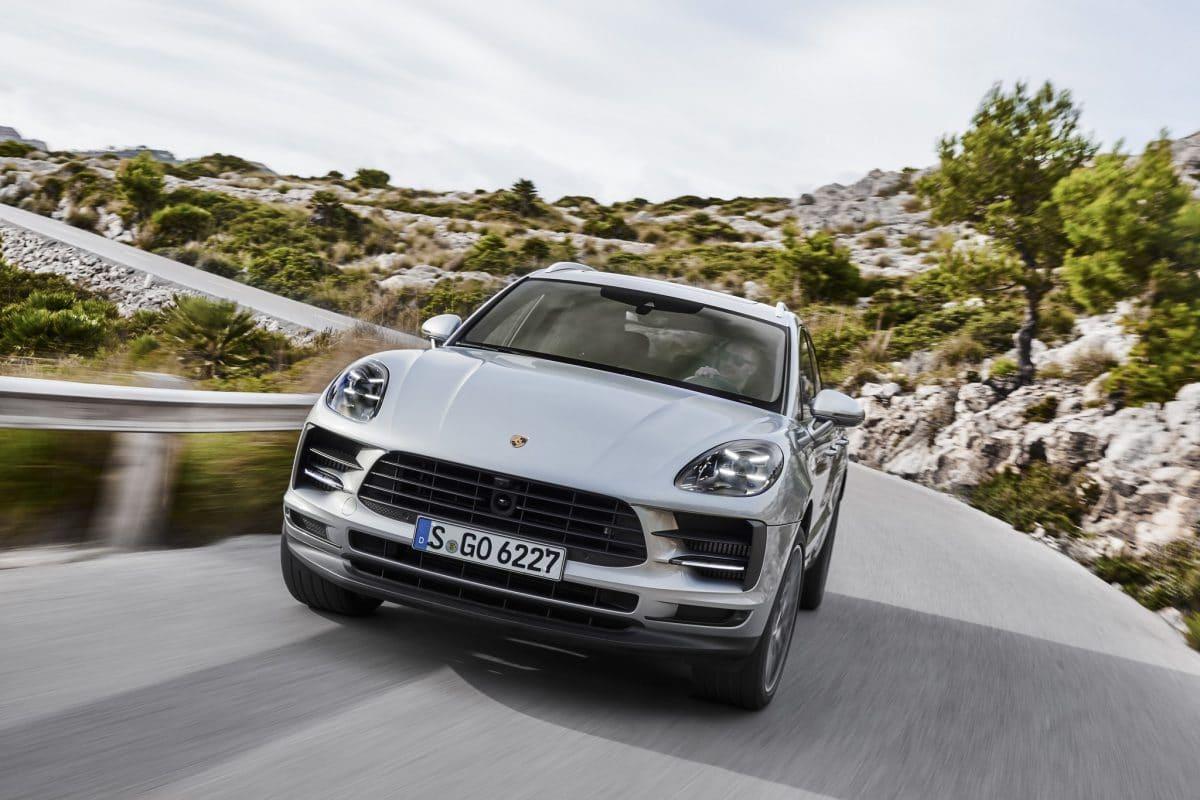 Ziua motoarelor – V6 Porsche sau V12 Aston