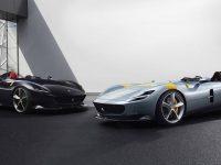 """(Video) Fanii Ferrari se închină la """"Icona"""" – colecționarii la Monza SP1 și SP2"""